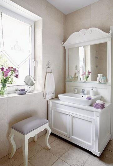 Un bagno romantico in perfetto stile shabby chic - Bagno shabby chic ...