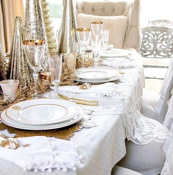 tavola elegante natalizia